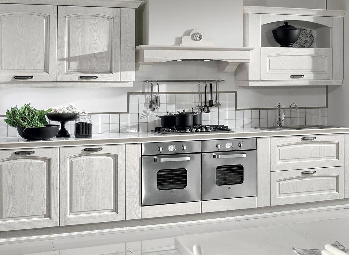 Arredo cucina classica cheap quadra with arredo cucina - Arredamento cucina classica ...